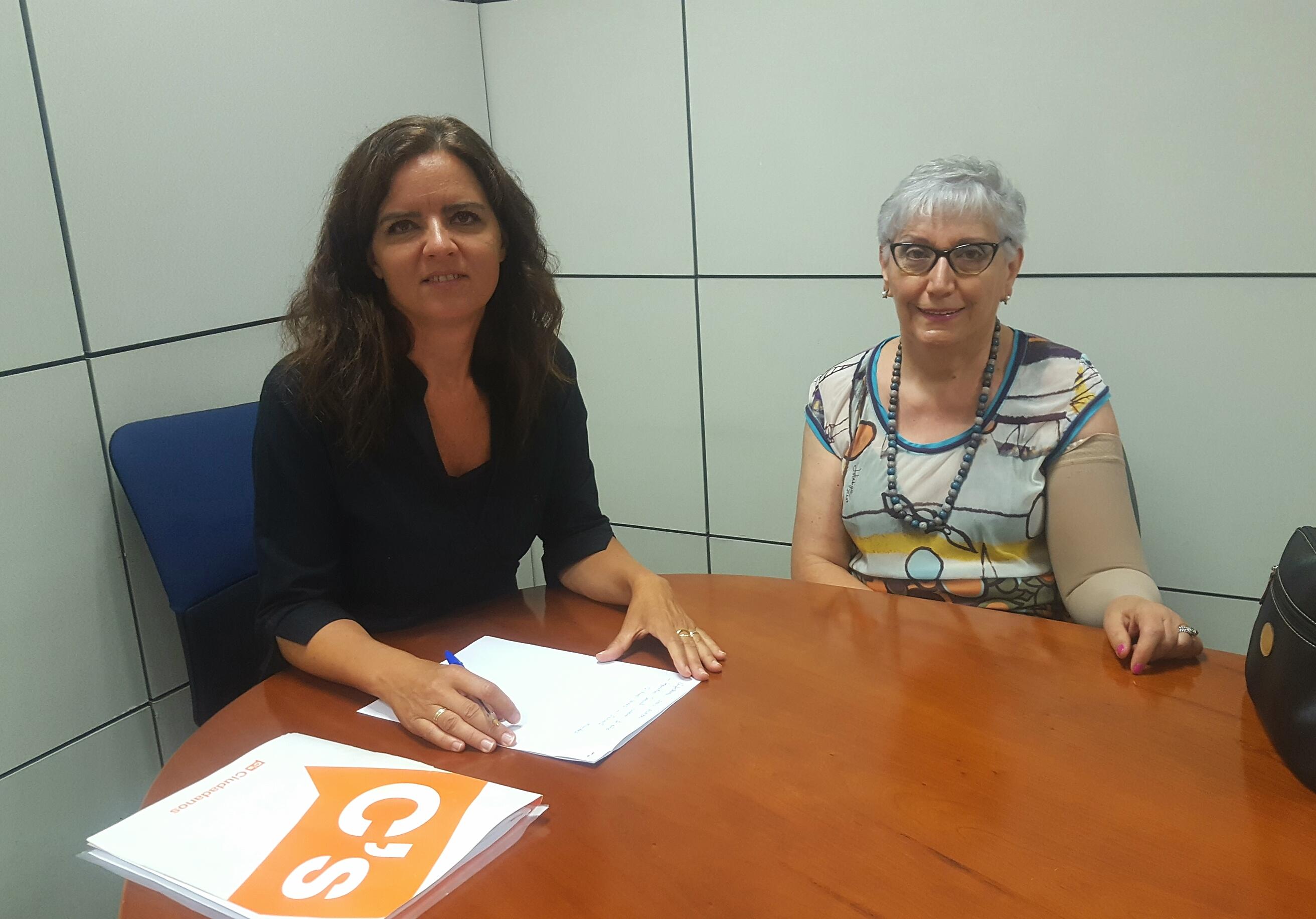 Reunión de C´s León con Presidenta de ALMOM, Esther Fernández