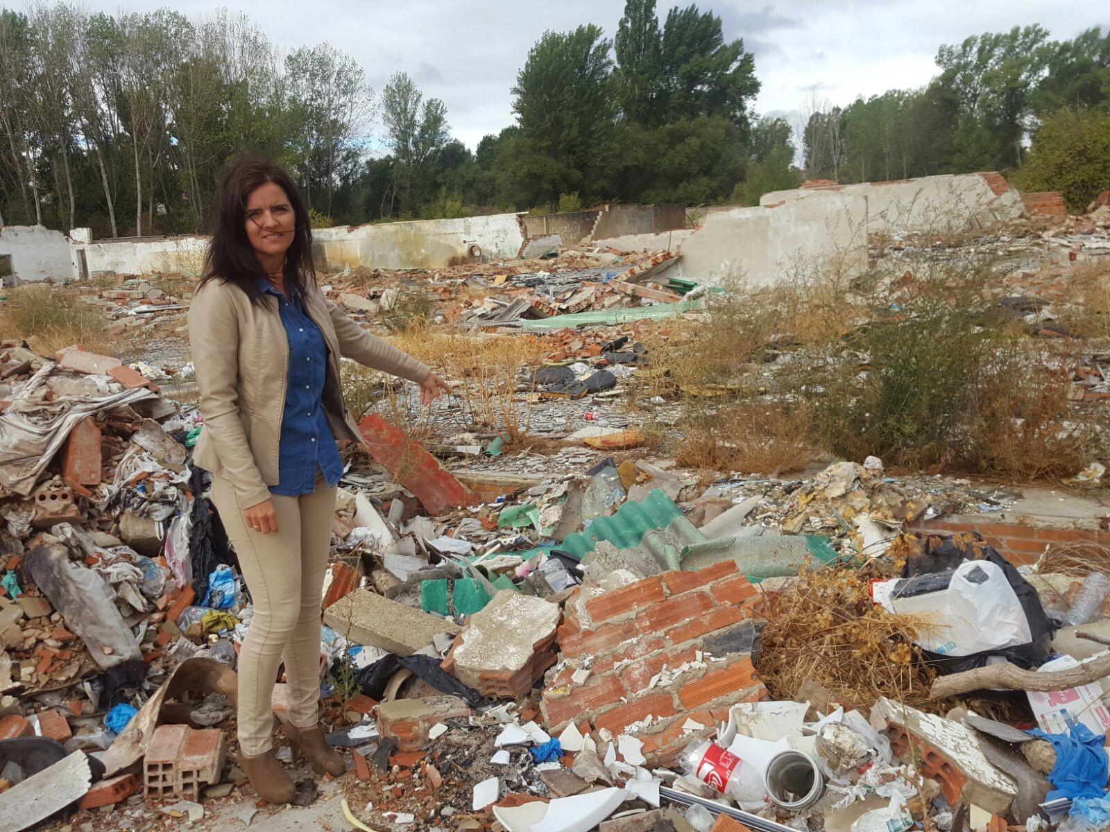 Denuncia sobhre el estado de la antigua Fábrica de Soto, Armunia, León
