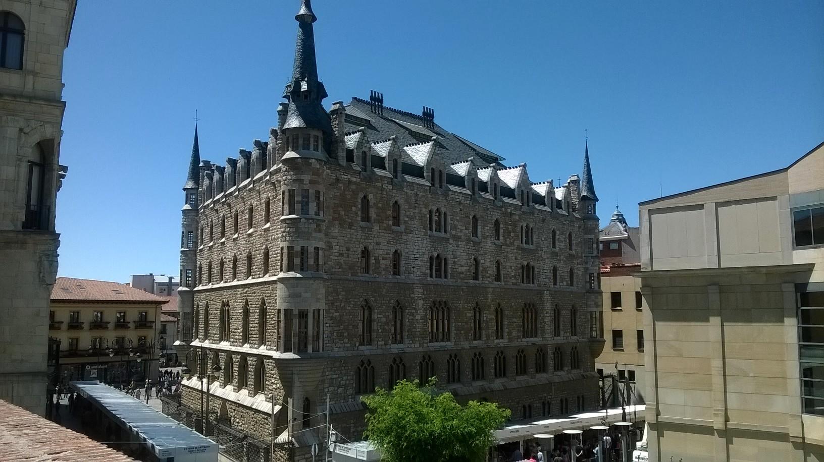Palacio Gaudí en León