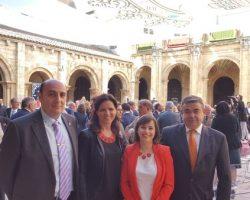 celebrando-el-pleno-de-las-Cortes-en-claustro-de-San-Isidoro.-Cuna-del-parlamentarismo-desde-1188